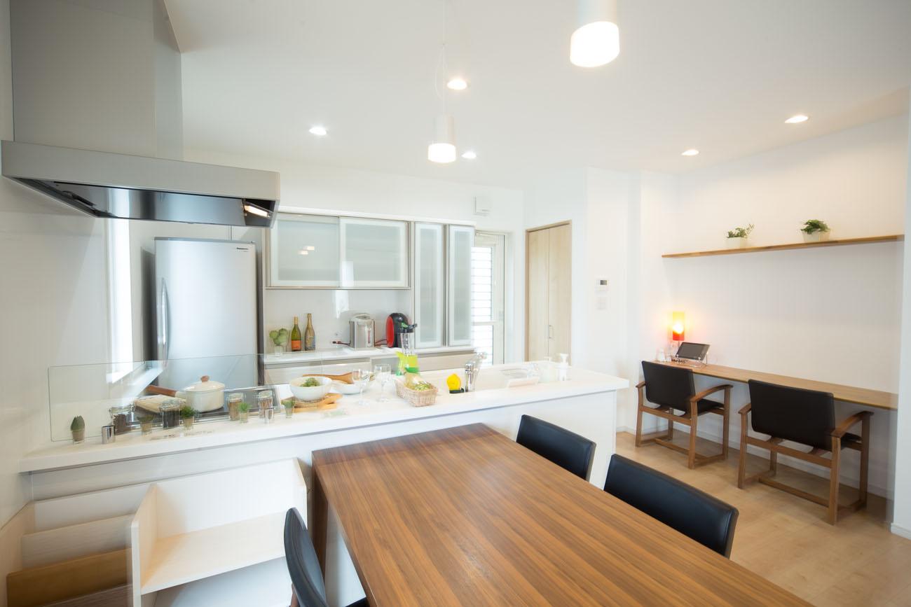 モデルハウス15号のキッチン写真